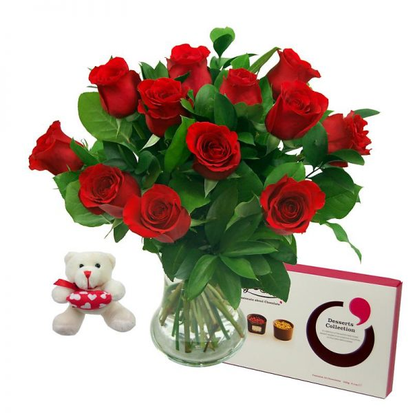 12 Red Roses True Romance Gift Set